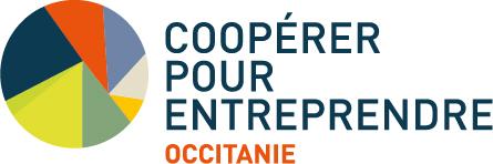 Logotype Coopérer pour entreprendre Occitanie. La mention Occitanie a été rajouté en lettres capitales rouge en dessous du nom de l'organisation en fer à gauche.